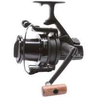 Daiwa UK naviják Tournament TS5000BL Black Edition